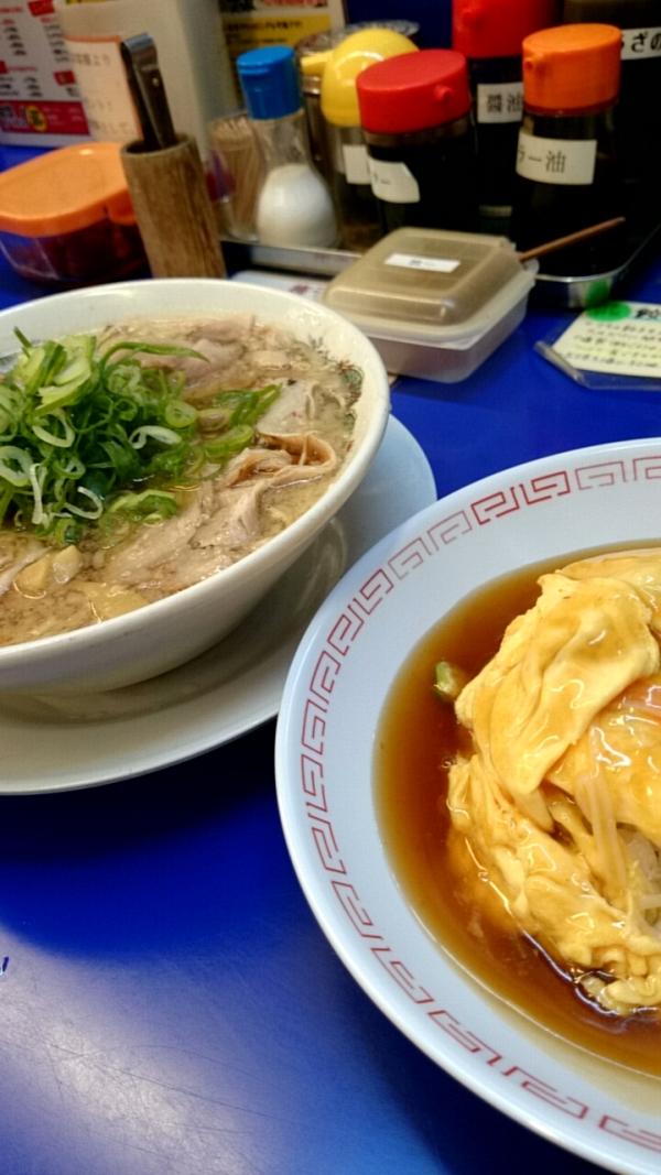 来来亭の天津飯定食。ラーメンはチャーシュー麺に変更で1,155円。