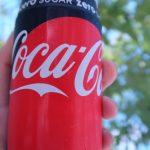 暑い日に外で飲むコーラうめー!…30代後半だから飲みきれないけど。