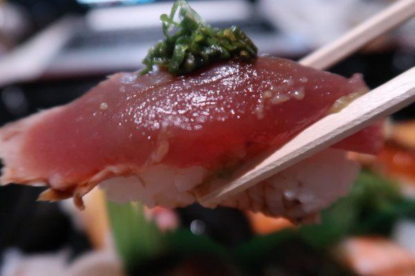 かつおのたたきのお寿司