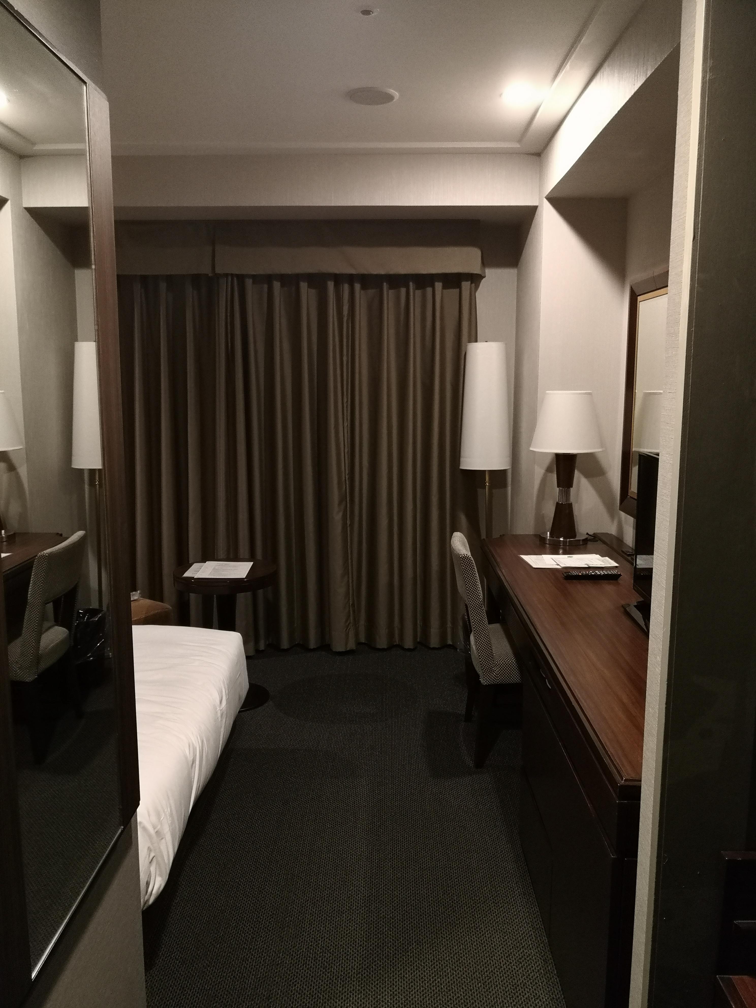 名古屋東急ホテルスーペリアシングル室内の様子